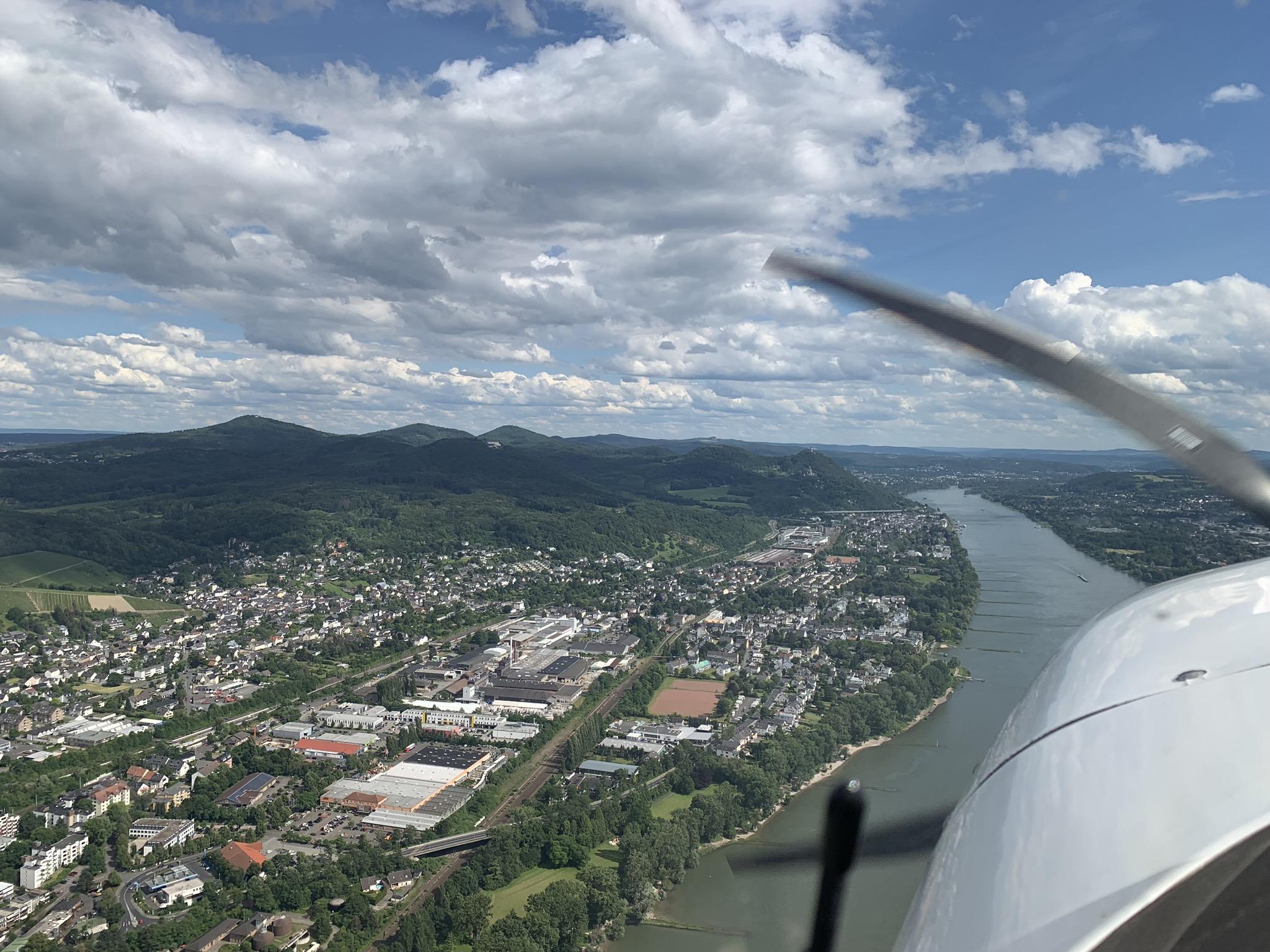 Am Rhein von Bonn in Richtung Mannheim